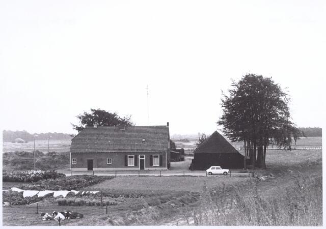 017859 - Boerderij aan de Dr. Hub. van Doorneweg anno 1971