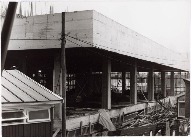 032604 - Hoogbouw (receptiehal met terras) aan het Stadhuisplein