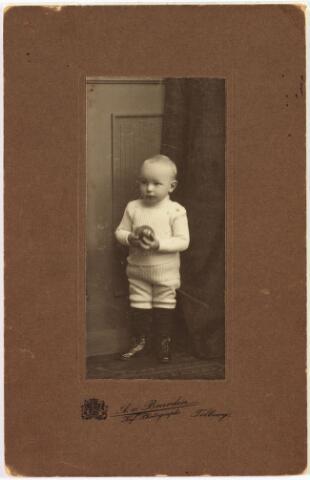 006467 - Karel Constant Lambertus Maria de Beer geboren  Tilburg 26 februari 1908, overleden Tilburg op 4 juni 1965.