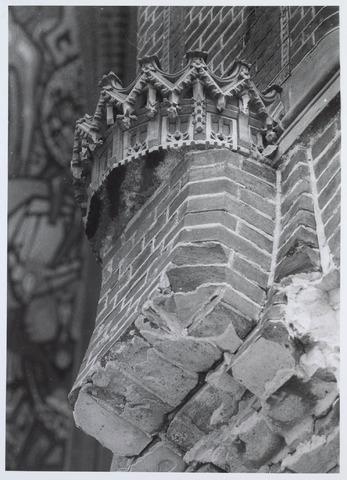 020101 - Sloop van de kerk van het Heilig Hart, parochie Noordhoek, in 1975. De kerk werd gebouwd in 1897/1898 naar een ontwerp van dr. P.J.H. Cuypers