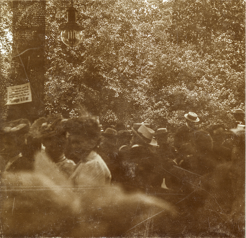 653510 - Militaire muziekwedstrijd 17, 18 en 19 juni 1905. Concert grenadiers R.K.H. (Origineel is een stereofoto.)
