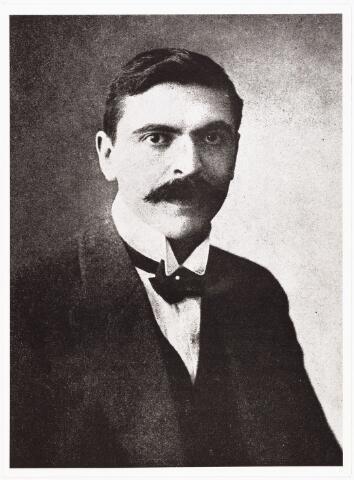 008105 - Jan Weijers, 1e voorzitter van het bestuur der R.K. openbare leeszaal.