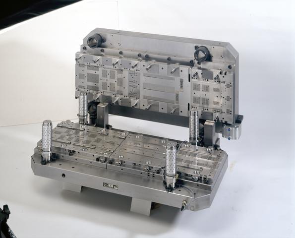 D-00700 - Lead Frame - SMS Stamp Tool & Mould Technologies B.V. Tilburg (tegenwoordig ART Group)