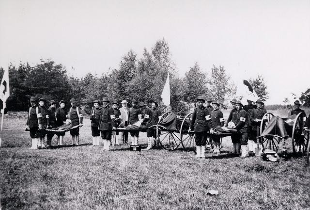 1696102 - Rode Kruis afdeling Tilburg. Veldoefening 1915.