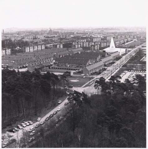 036429 - Panorama van Tilburg vanaf de Hogeschool.