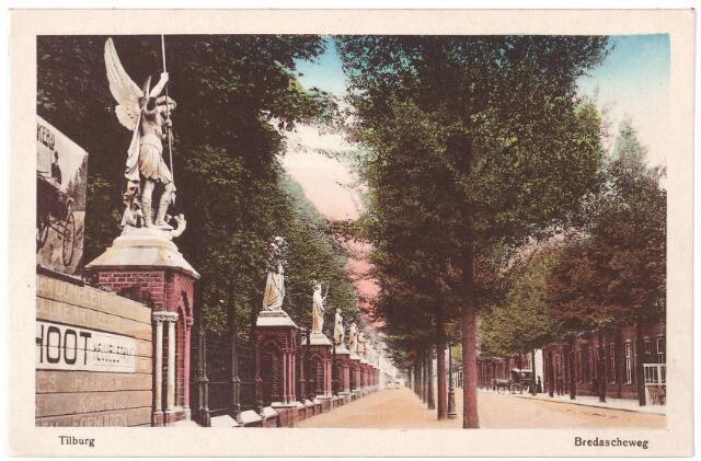 000119 - Kerkhof. Beeldengalerij; Begraafplaats Binnenstad aan linkerzijde. Rechts koets met paard Bredaseweg.