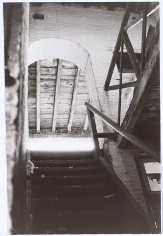 022197 - Textiel. Detail van het interieur van een gebouw behorende tot het complex van wolspinnerij Pieter van Dooren aan de Hilvarenbeekseweg
