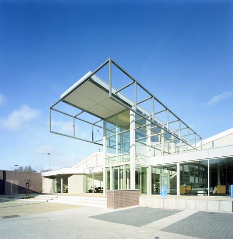 D-00769 - Sportschool Club Pellikaan Tilburg (Hooper architects)