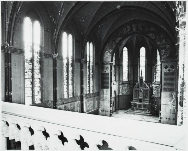 025355 - Sloop van het St. Josephgasthuis in de Lange Nieuwstraat in 1977. Hier de kapel