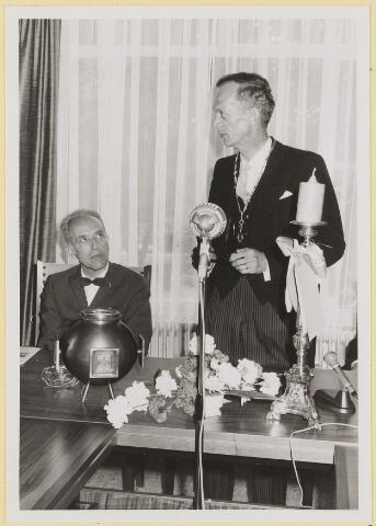 072955 - Opening gemeentehuis door de Commissaris van de Koningin Kortmann.  Bijzondere raadsvergadering. Dankwoord burgemeester.
