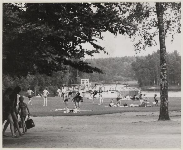 100940 - Recreatie. Zwembad. Sport- en natuurbad Surae.