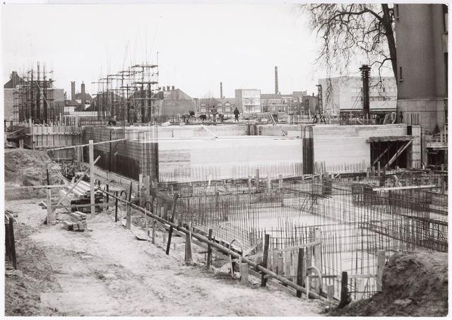 032608 - Bestuursvleugel en Raadszaal voor de nieuw te bouwen gemeentehuis (stadskantoor) aan het Stadhuisplein