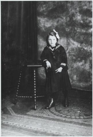 056248 - Tonia van Gorp dochter van Jos van Gorp en Adriana M. Huijbregts.