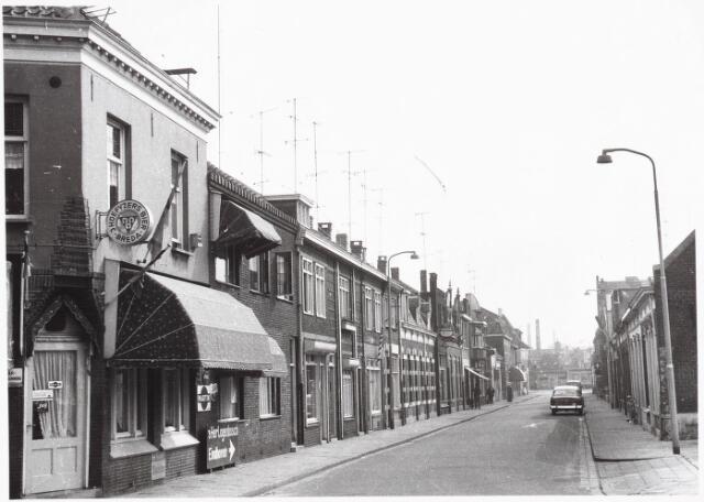 028015 - Koningsstraat, thans Paleisring. Op de hoek links cafe  De Kanter