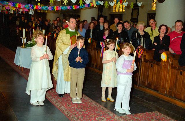 655375 - Eerste Heilige Communie viering in  de Sint-Dionysiuskerk (Heikese kerk) op 21 april 2001.