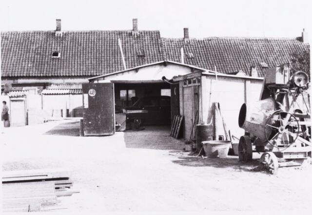 034461 - Lijnse Zijstraat 1-7. De Lijnse Zijstraat is -na afbraak van de aangelegen woningen- opgegaan in de Von Weberstraat.