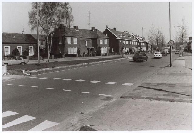 024928 - Kwaadeindstraat gezien vanaf de Ringbaan-West