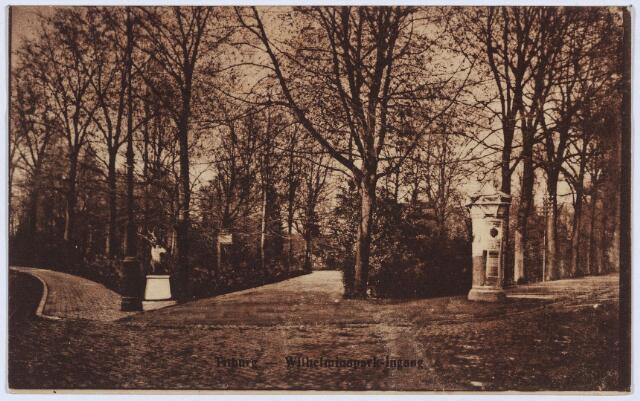 002845 - Wilhelminapark, herten bij de ingang.