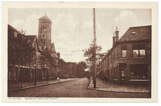 000411 - Enschotsestraat, met toren van de Willibrorduskerk.