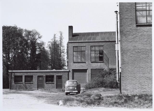 014611 - Binnenplaats van de Tilburgse Wolwasserij aan de Berglandweg