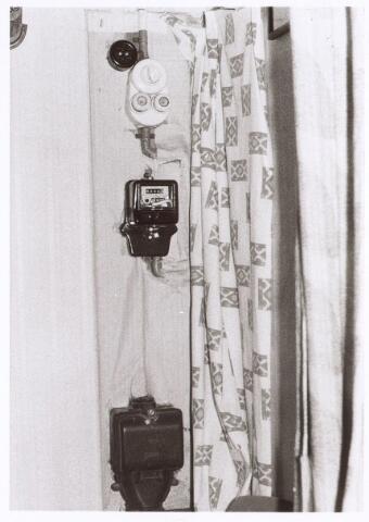 017239 - Meterkast in het pand Capucijnenstraat 48 anno 1974