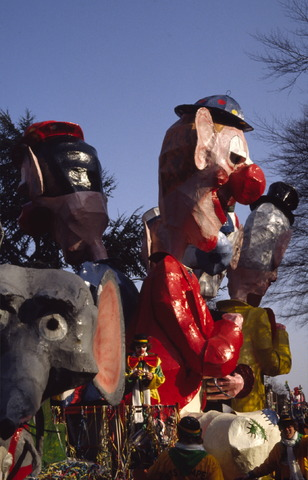 656421 - Carnaval. Optocht in Tilburg in 1983.