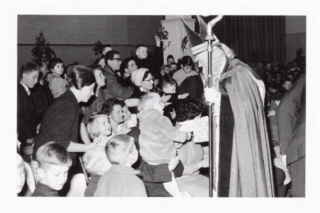 038849 - Volt. Zuid. Ontspanning. Sint Nicolaasfeest in 1960. Sinterklaas. St. Nicolaas