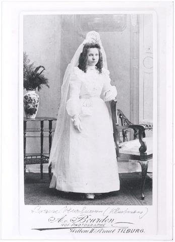 006144 - Louise (Wies) dochter Jules Verschuuren-Kluytmans (reproductie; origineel niet in collectie aanwezig)