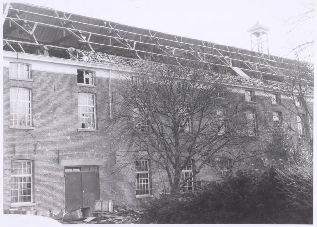022173 - Textiel. Sloop van wolspinnerij Pieter van Dooren aan de Hilvarenbeekseweg in 1975