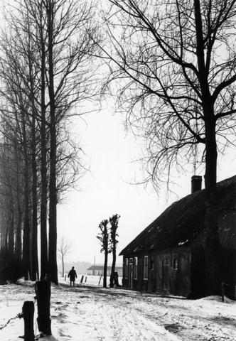 1238_F0387 - Boerderij in de sneeuw
