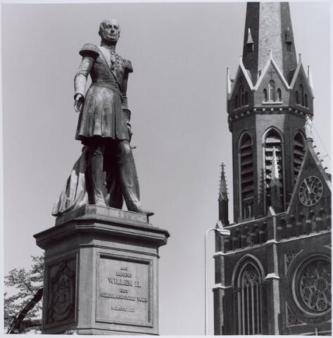 021462 - Standbeeld van Willem II op de Heuvel