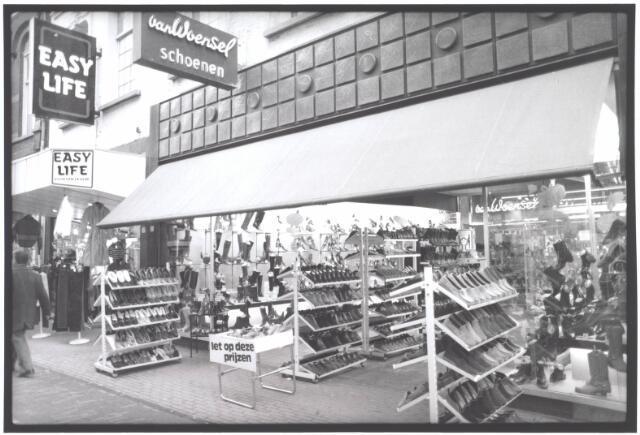 021935 - Schoenhandel Van Woensel in de Heuvelstraat