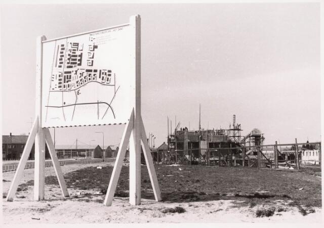 034250 - De opbouw van de St. Paulus H.B.S. in het uitbreidingsplan HET ZAND
