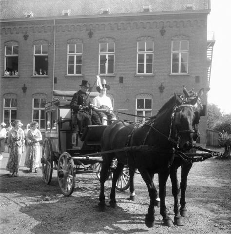 050365 - 100-jarig bestaan van de kweekschool van de Zusters van Liefde Oude Dijk, Tilburg.