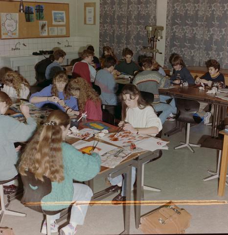 1237_012_974_011 - Onderwijs. De Lage Technische School (LTS) in Gilze in 1993.