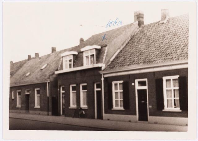 034393 - Pand Lijnsheike 108a (midden); thans heet dit deel van de straat Von Weberstraat. De meeste huizen aan het Lijnsheike zijn inmiddels gesloopt.