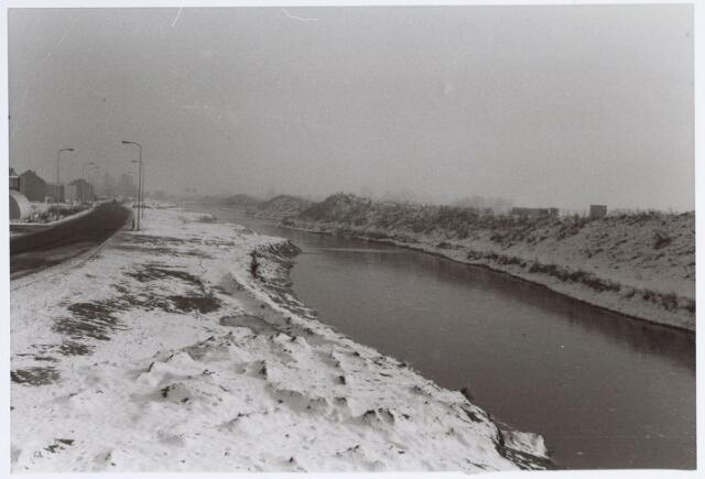 014634 - Berglandweg (links) en Hilvarenbeekseweg (rechts)