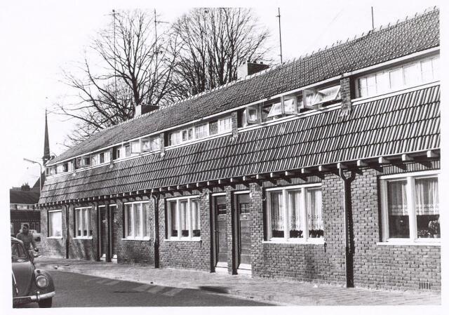 017995 - Panden aan de Eekhofstraat begin 1971