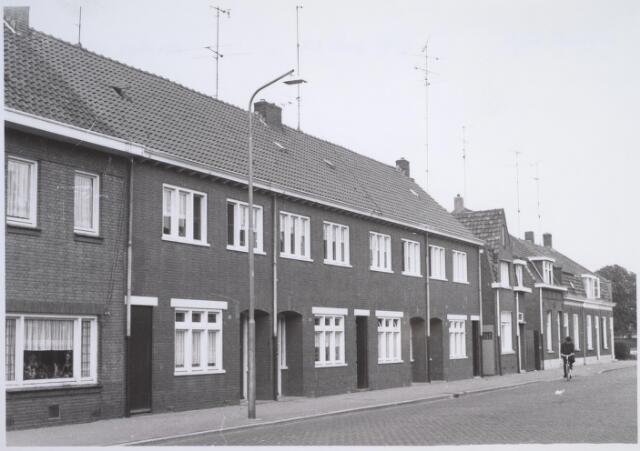 026213 - Panden Lijnsheike 81 tot en met 97 (van rechts naar links) eind 1967