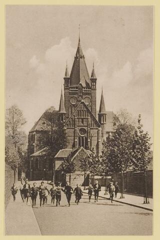 074751 - Poirterstraat, Pensionaat voor jonge juffrouwen Catherineberg. Kerk  St. Petrusbanden.