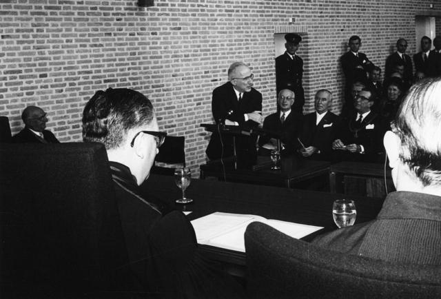 1238_F0030 - Opening zitting Kantongerecht Paleisring