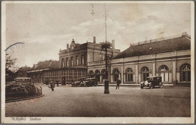 010717 - Station aan de Spoorlaan.