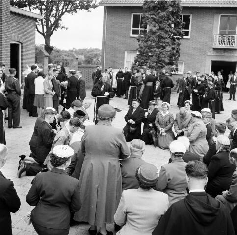 050220 - Priesterwijdingen, paters capucijnen