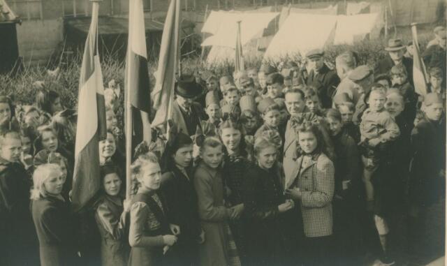 066181 - Boomplantdag in Kaatsheuvel.