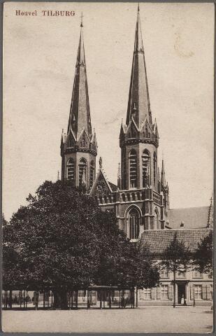010568 - Heuvel met lindeboom, kerk St. Jozef en pastorie.