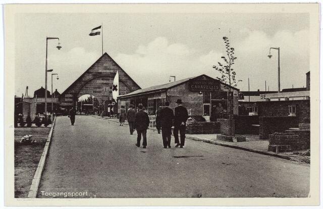 003330 - Internationale Tentoonstelling Stad Tilburg. De toegangspoort. De toegangsweg begon op de kruising Enschotsestraat-Ringbaan-Oost.