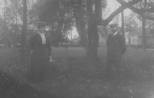 065909 - Mesjeu Habermehl met echtgenote.