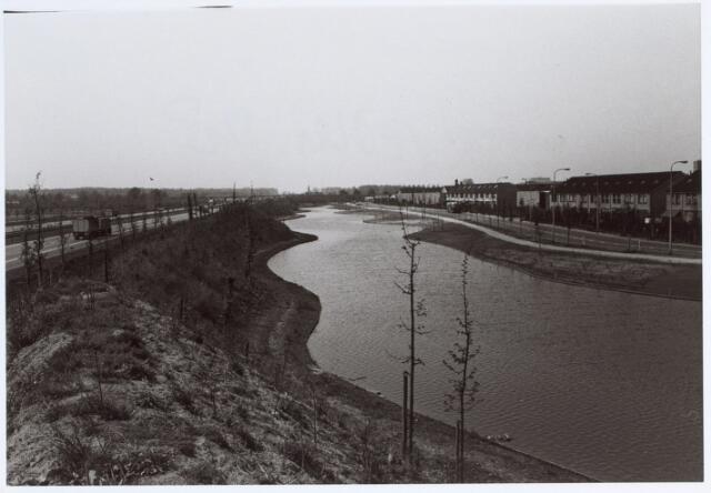 014632 - Berglandweg (rechts) en A58 (links)