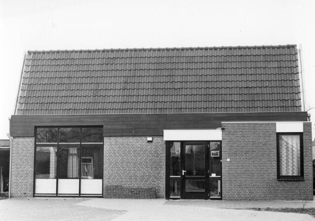 066323 - Gezondsheidszorg. Nieuwe kruisgebouw van de R.K. Vereniging voor Volksgezondheid en Ziekenverpleging Wit-Gele Kruis te Chaam.