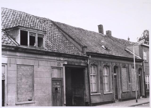 024085 - Panden Anna Pauwlonastraat 9, 11 en 13 (van rechts naar links) vlak voor de sloop. Tegenwoordig Koningsplein.